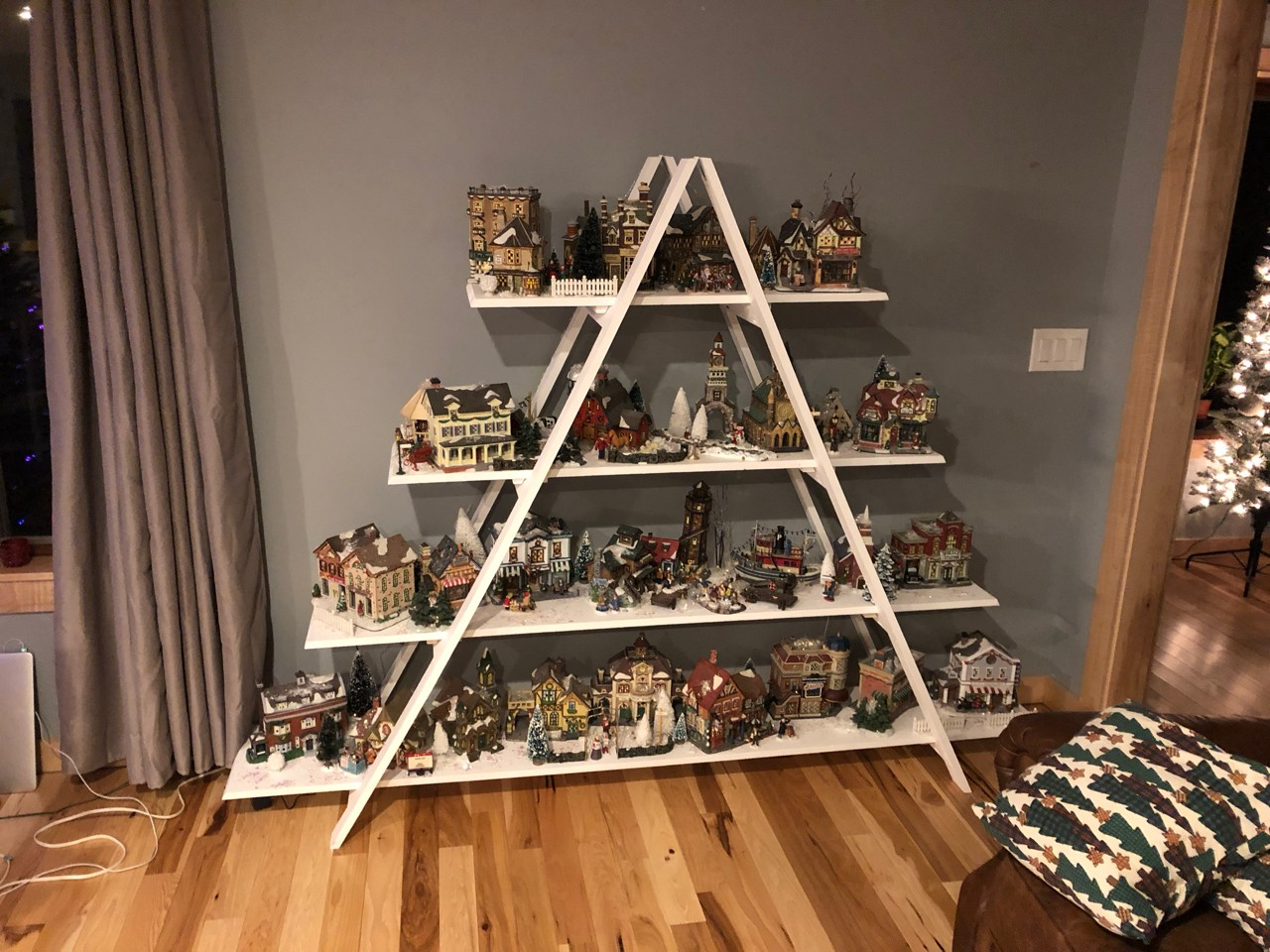 Village Christmas Tree Stand.Christmas Village Stand 1 The Sawdustzone